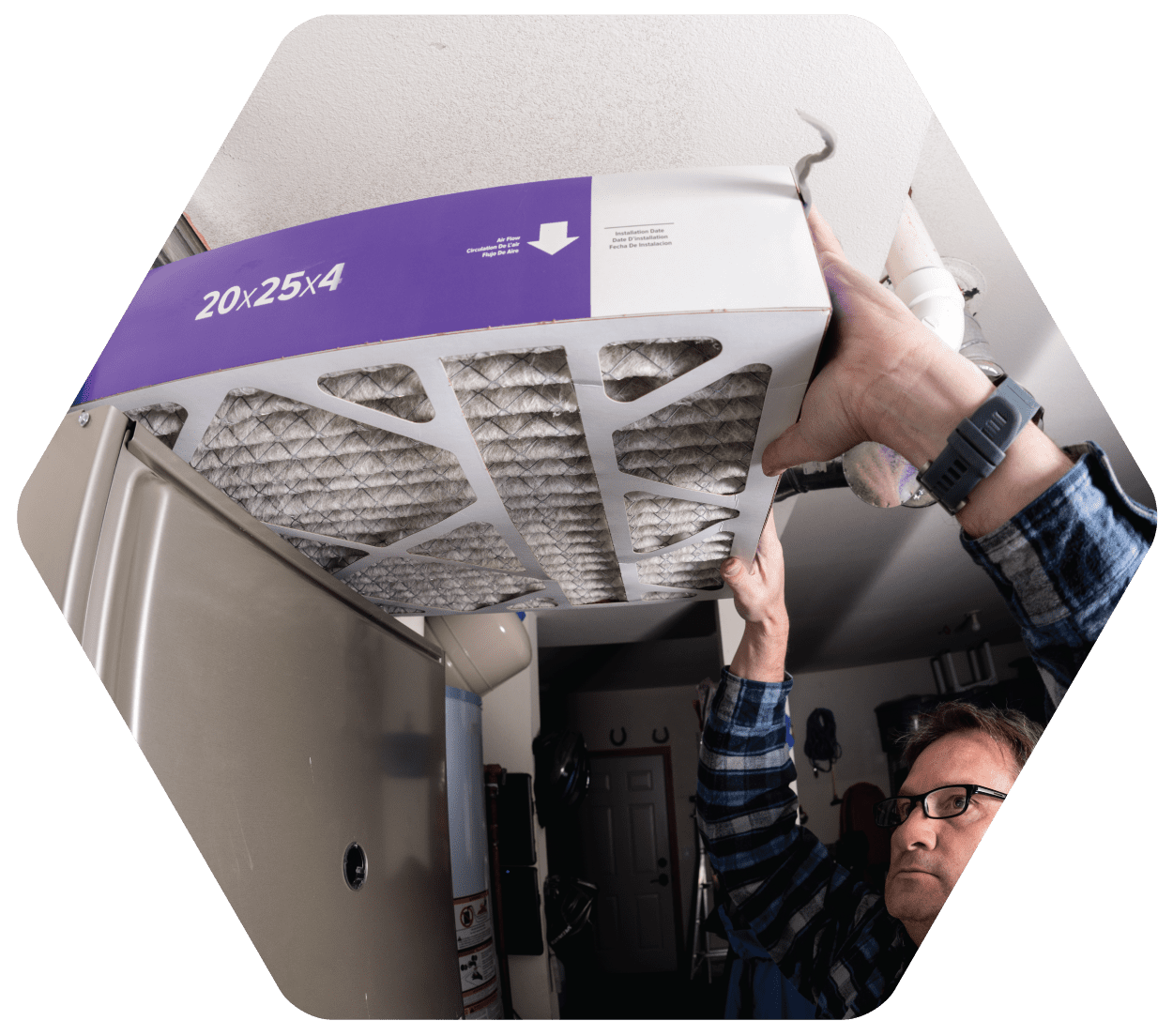 Replacing Furnace Filter, Prepared For Winter | Lee Mechanical